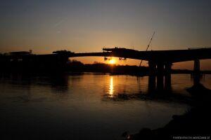 33 miesiące budowy mostu