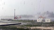 Zniszczenia na Bahamach (PAP/EPA/Petty Officer 3rd Class HUNTER MEDLEY/US COAST GUARD HANDOUT)