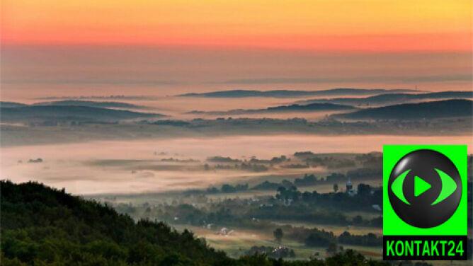 Zbliża się jesień. Mgły zwiastują koniec lata